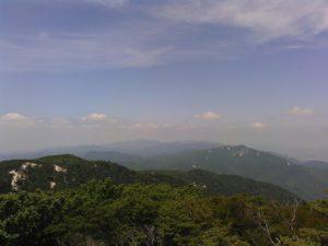 残念ながら富士山は見えず・・